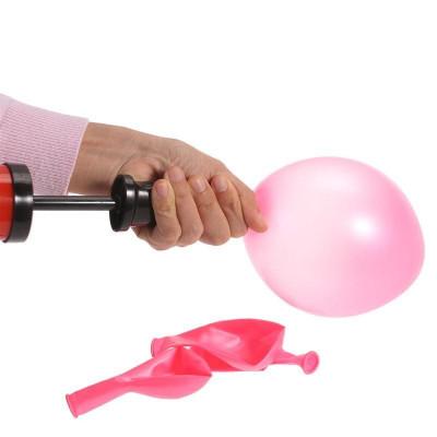 Ruční pumpička na nafukování balónků